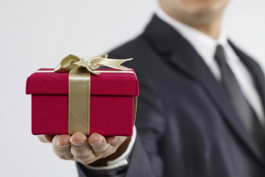 Tax considerations when gifting stock