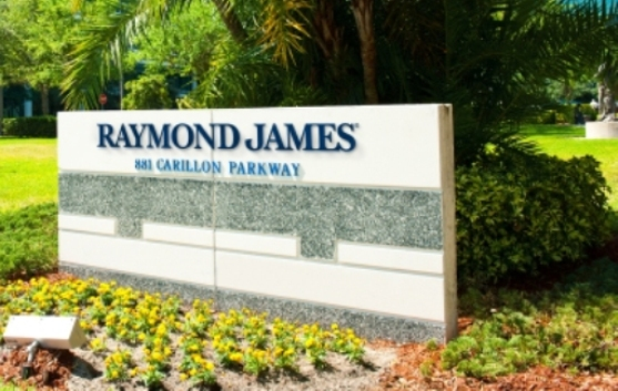 Duo managing $194 million moves from UBS to Raymond James