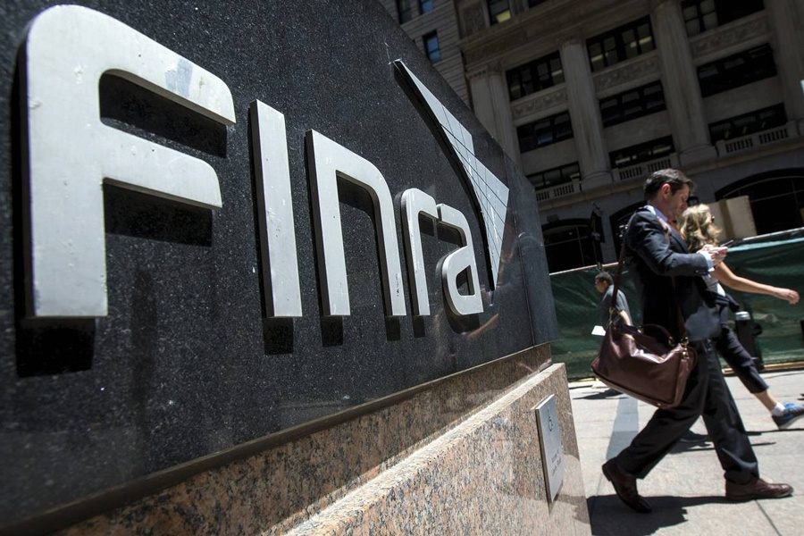 Finra bars two no-show brokers